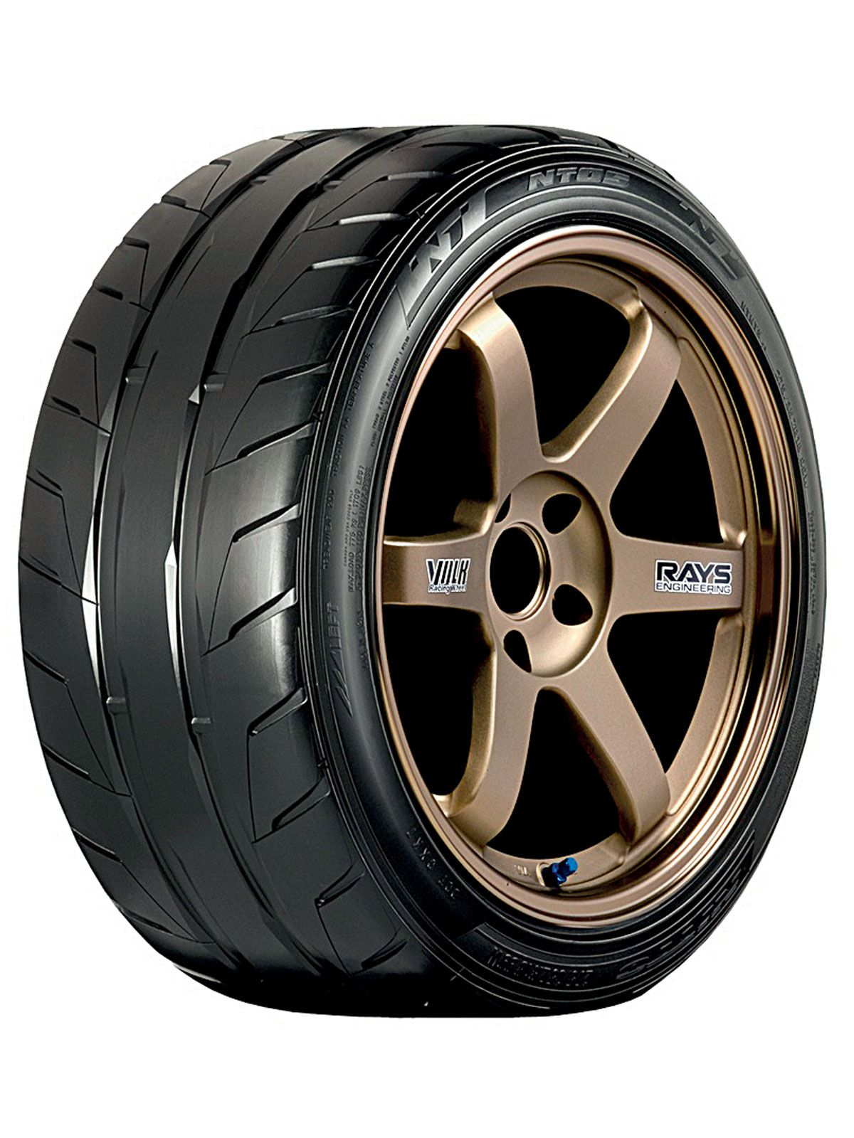 Ultra high performance tire
